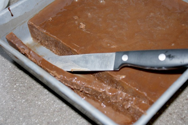 slicing chocolate snowball