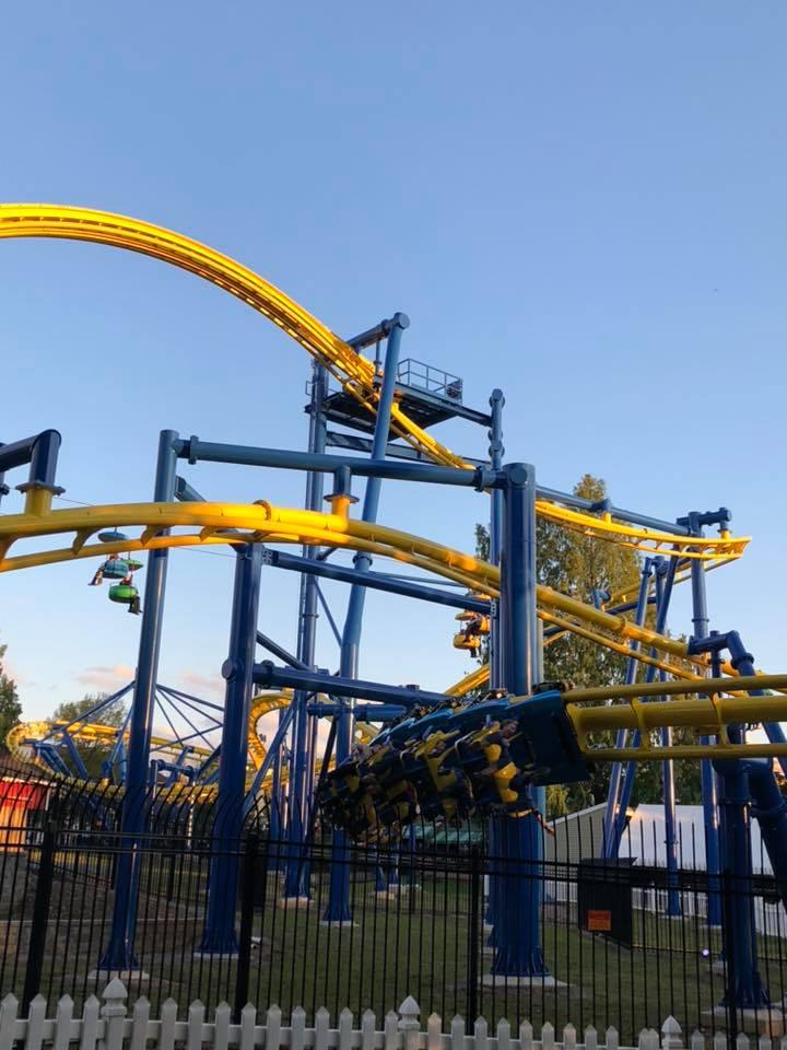 roller coaster at Dutch Wonderland